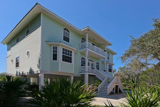5 bed walk to beach home